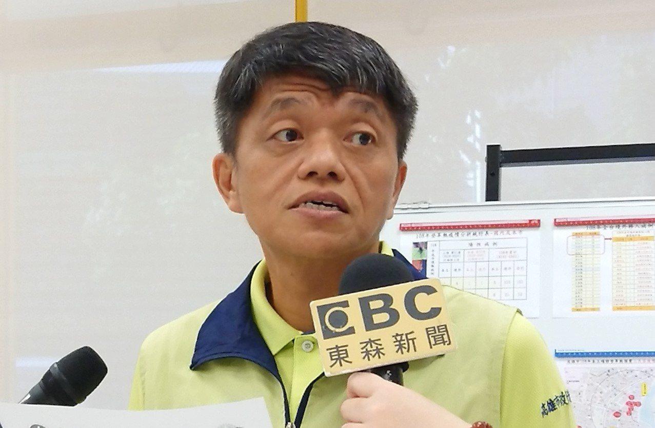 高雄市衛生局副局長林盟喬20日表示,三民區再新增一本土案例,為金獅湖市場攤商,總...