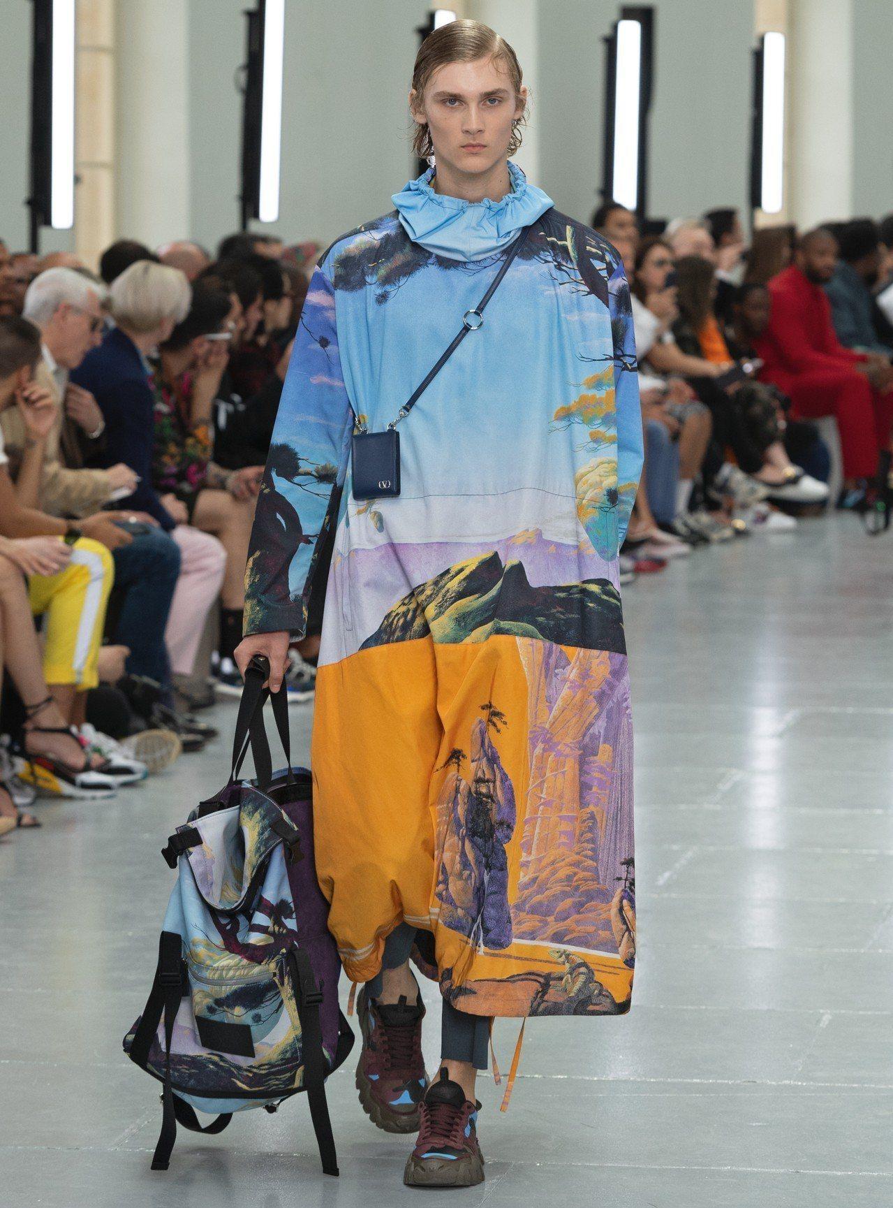 VALENTINO靈感來自卡佛坦長袍的2020春夏男裝。圖/VALENTINO提...