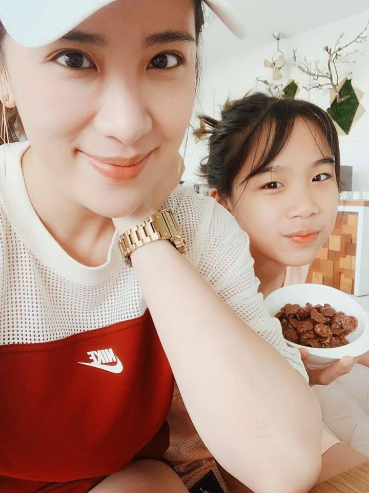 小禎和女兒Emma感情如膠似漆。圖/摘自臉書