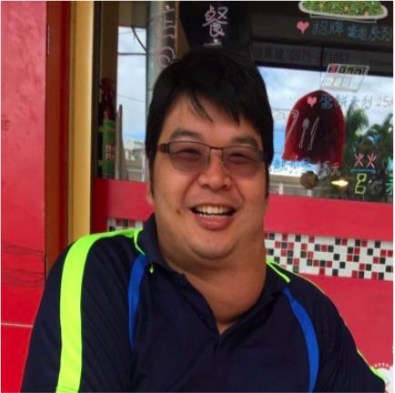 40歲的劉姓男子因為免疫力失調,再加上後續發生意外,甲狀腺嚴重腫大,直徑達13公...