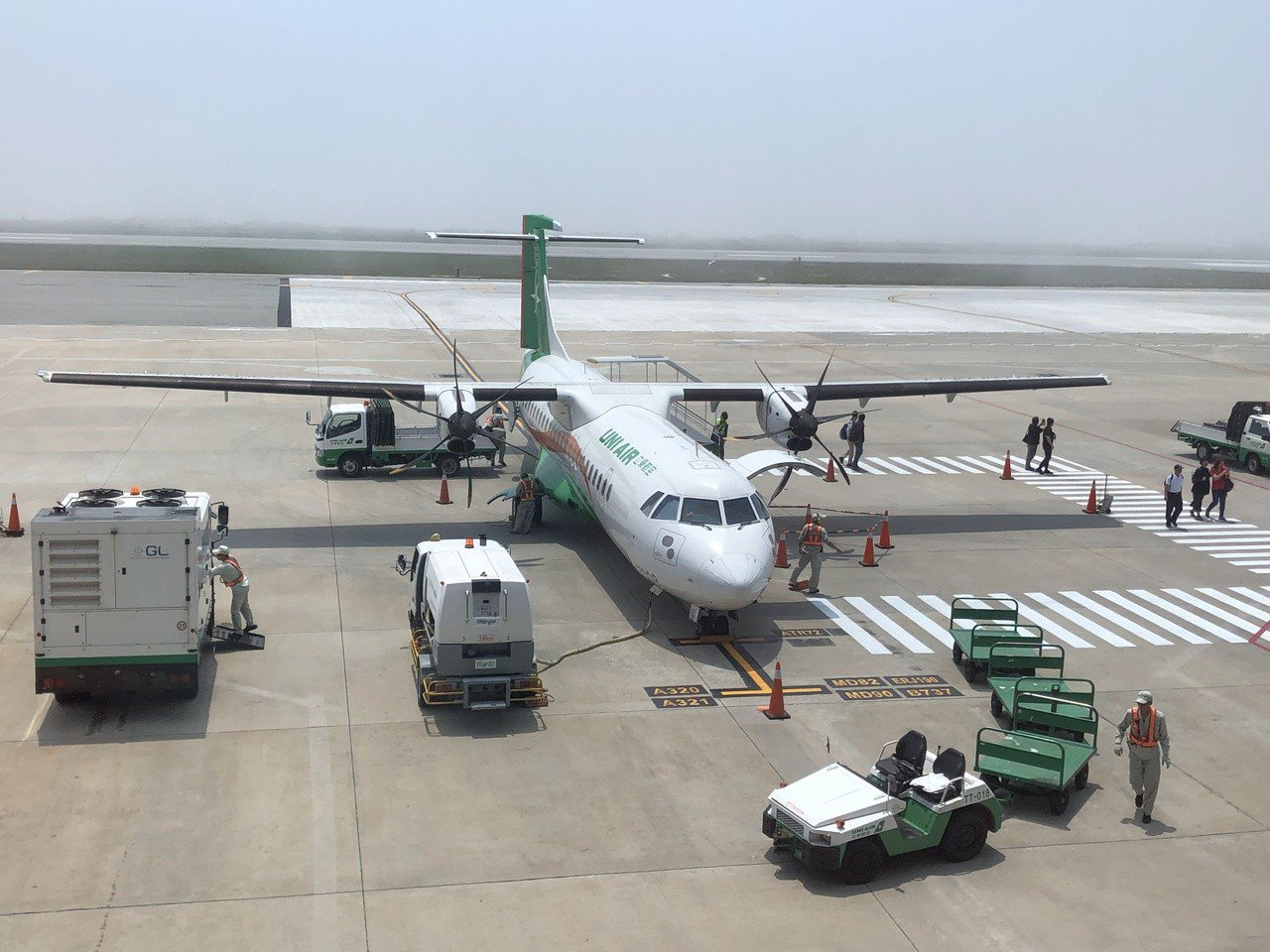 立榮航空一天往返金門的航班約有50班,比例是金門航線的最大宗。記者蔡家蓁/攝影