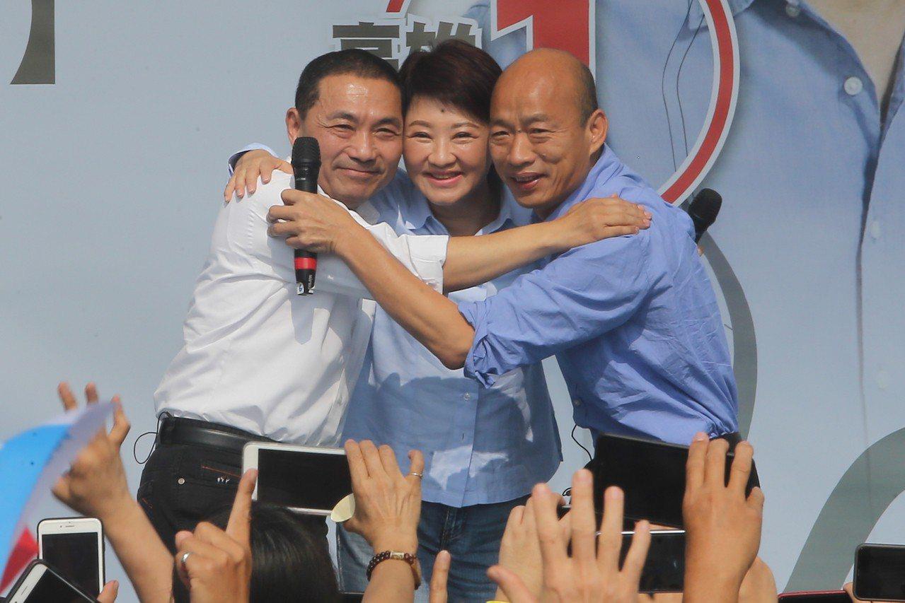高雄市長韓國瑜(右起)、台中市長盧秀燕、新北市長侯友宜競選時曾打出「禿子、燕子、...