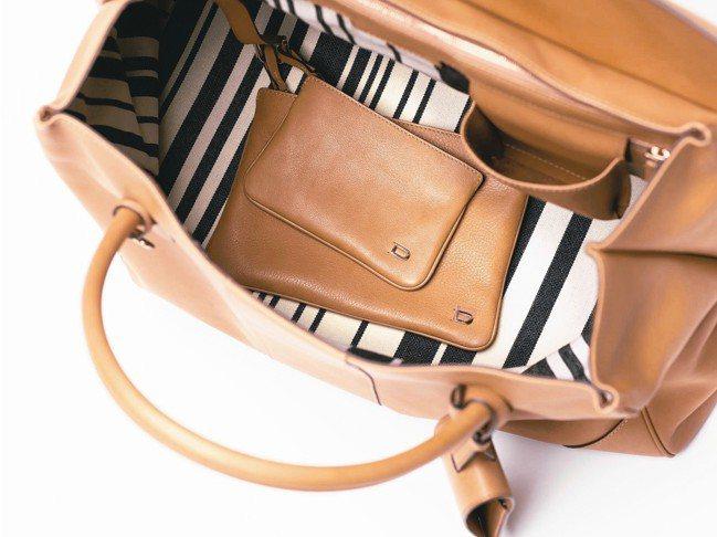 條理分明:袋內配有兩個可拆卸的內袋,可以有秩序的收整物品。 圖/各業者提供