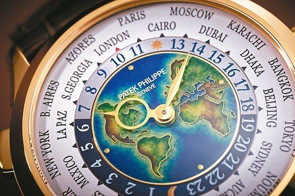 百達翡麗編號5231J-001世界時區腕表換上全新地圖。 圖/百達翡麗提供