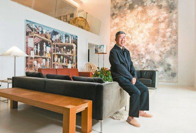 曾文泉家挑高約6米,以容納許多大型藝術品。 攝影/陳立凱