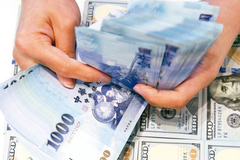 許多人想存錢卻懶得記帳,使用無痛存錢法可以讓人安心花錢也不怕沒存款。圖/聯合報系資料照片