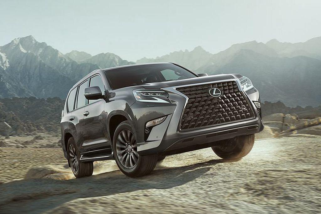 Lexus GX動力來自4.6L V8汽油引擎,具備301hp最大馬力及45.5...