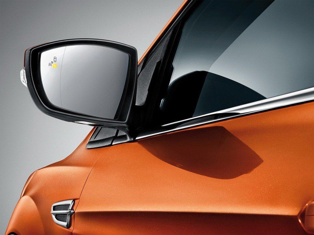 Ford Kuga EcoBoost182 CP360型具備BLIS視覺盲點偵測...
