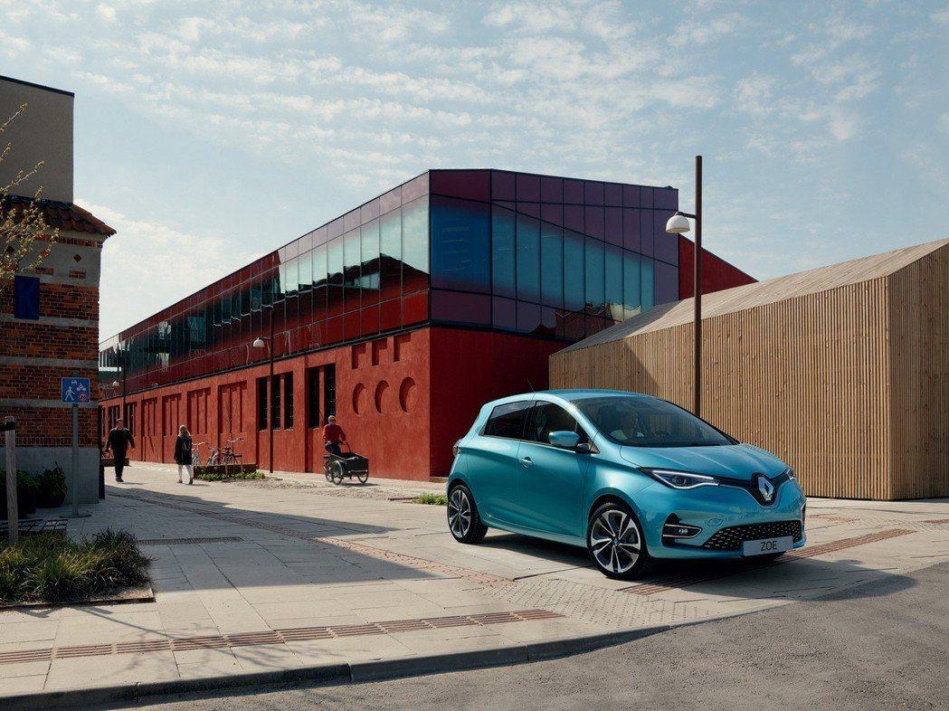 新世代Renault Zoe搭載代號R135的電動馬達,可輸出最大馬力135hp...