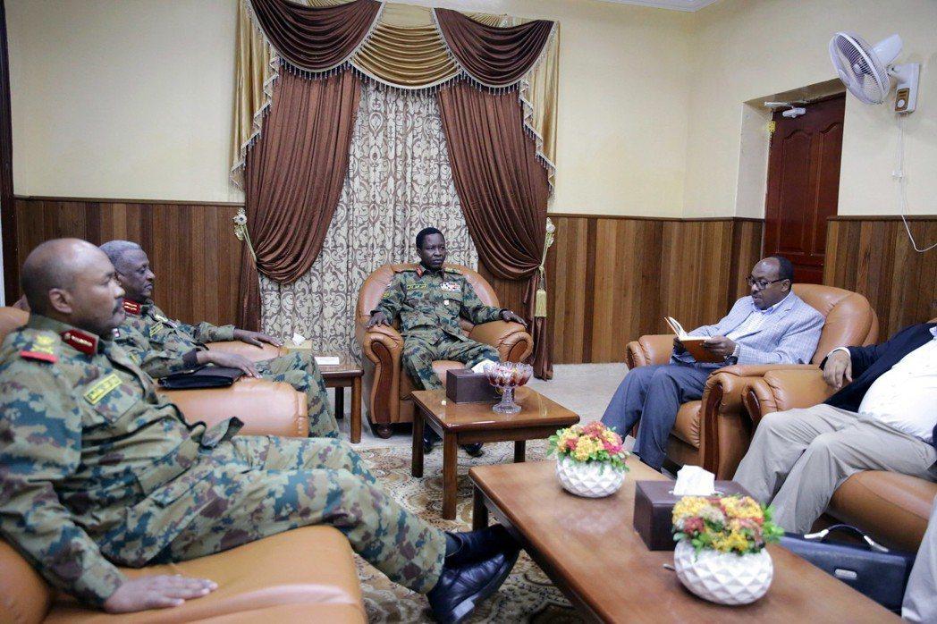 衣索比亞的外交介入,並非無償或完全出於「利他原則」的政治善意;其伸出援手居中協調...