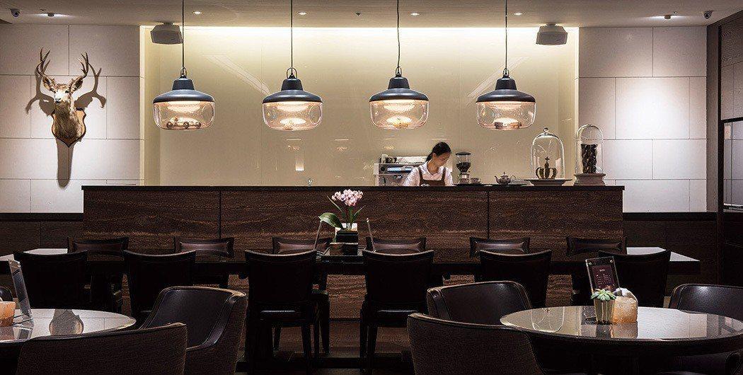 「捷寶雲品」公設豐富,體貼服務。圖為咖啡廳。