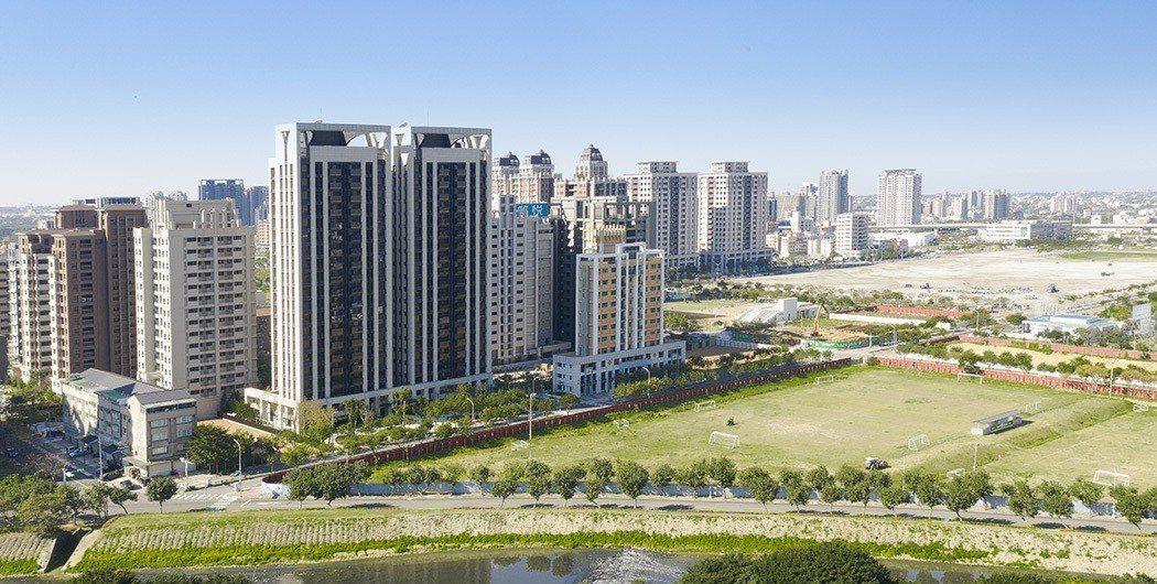 捷寶建築在桃園高鐵特區推出高端超豪宅「捷寶雲品」。