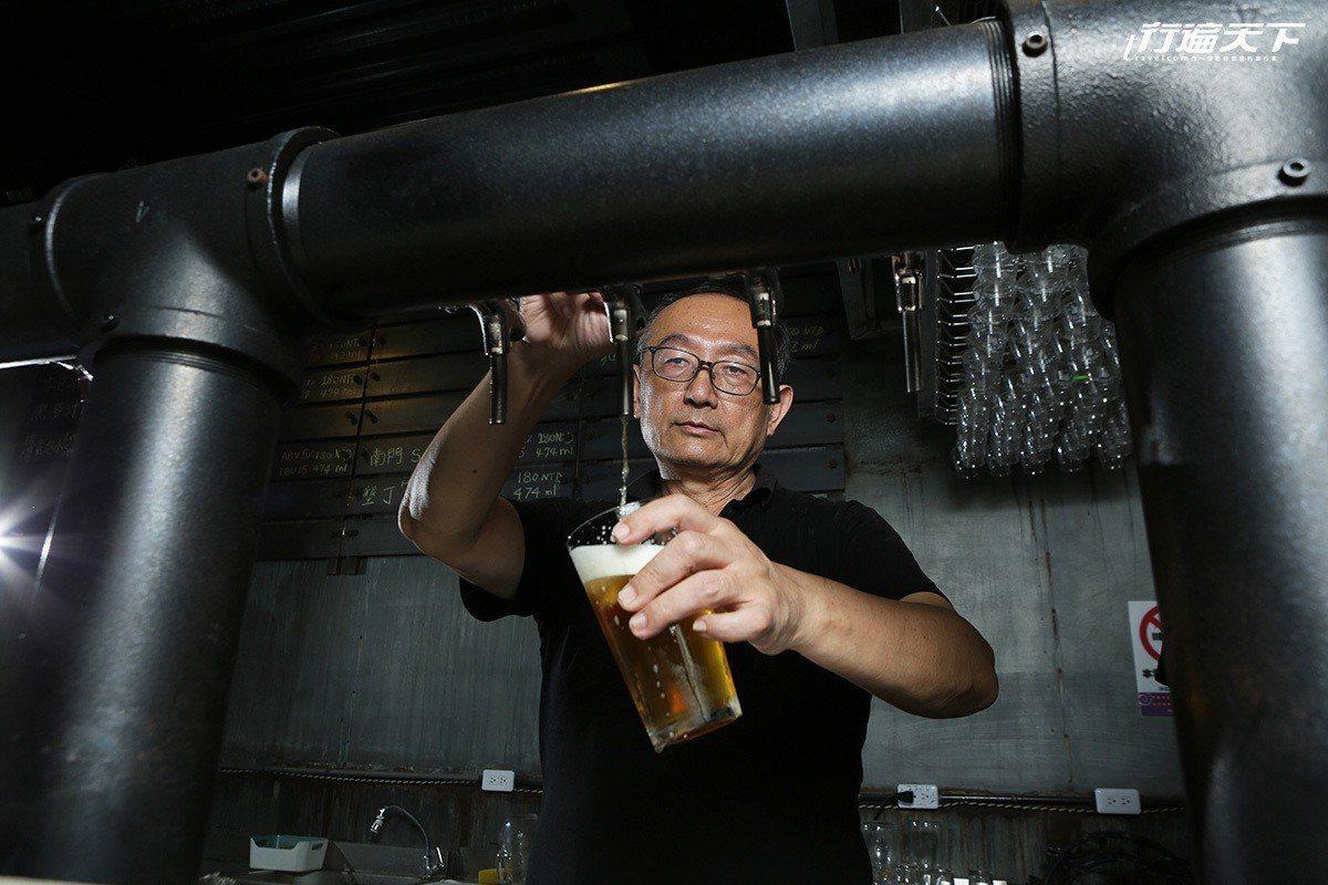 鍾文清為了學釀酒,特別飛到美國舊金山上課。 ※ 提醒您:禁止酒駕 飲酒過量有礙...
