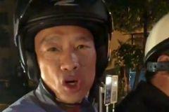 韓國瑜坐機車巡視警方取締酒駕 民眾喊總統好