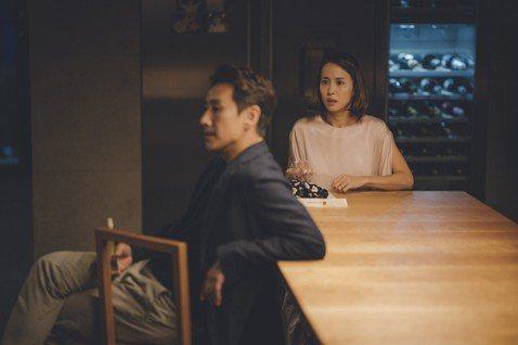 即將在6月28日於台上映、由南韓名導奉俊昊執導的坎城金棕櫚電影「寄生上流」(Parasite),日前於台舉辦試片口碑爆棚震撼全場,片中與台灣的連結更成為熱門話題,讓影迷好奇不已。而在今日公布的幕後花...