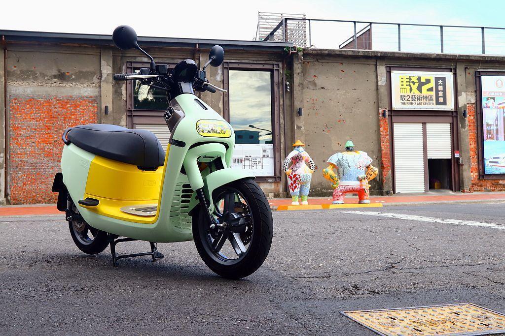Gogoro 3定價為69,980元,若再透過經濟部工業局、行政院環保署、地方政...