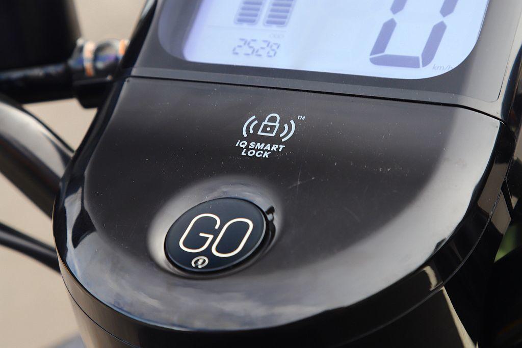運用NFC感應技術iQ System智慧鑰匙卡,使用上雖然便捷但直覺性還是實體鑰...