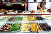 自助餐、生芽菜…專家不敢吃的5種易遭污染食物