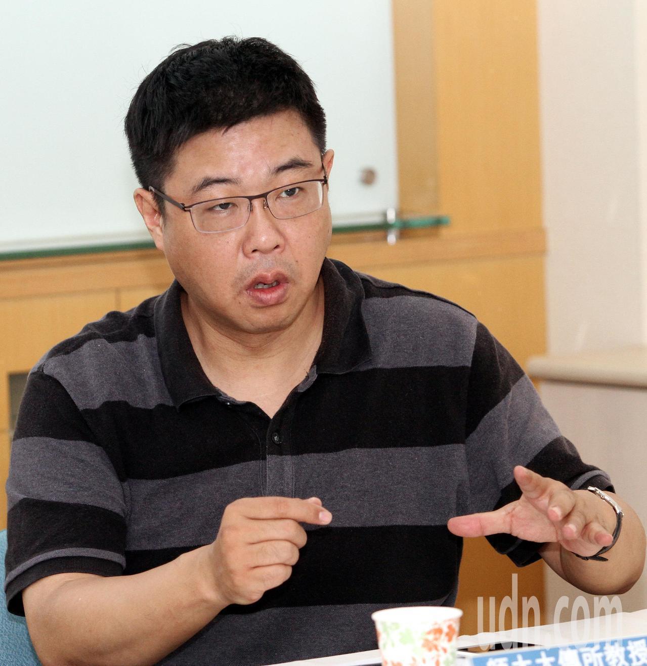 文化大學新聞系主任胡幼偉。本報資料照片