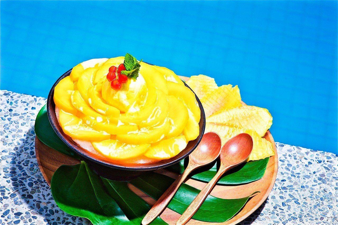 花瓣造型的「芒果冰」是少女必點款。圖/太魯閣晶英酒店提供