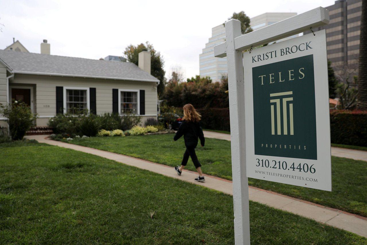 40年期房貸的還款壓力低於傳統的30年期,但專家指出,總還款金額會高出許多。路透