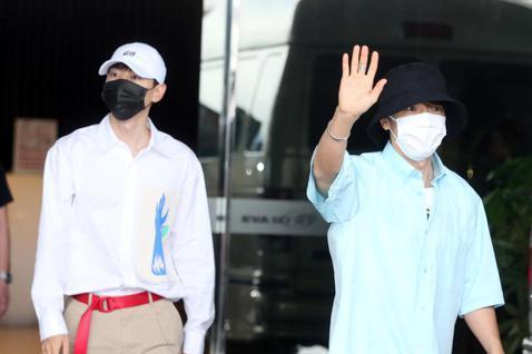 Super Junior 東海和銀赫中午抵台,晚上在新莊體育館開唱。