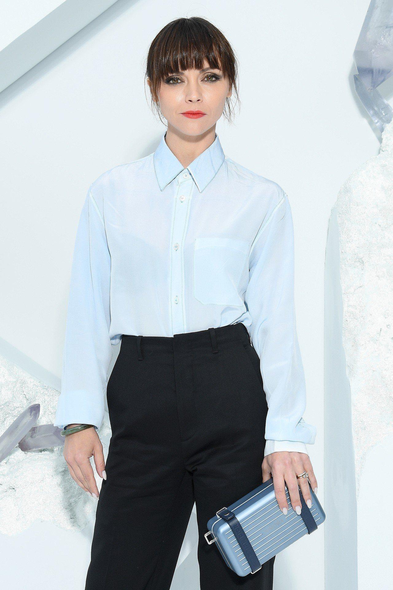 好萊塢女星Christina Ricci搶先擁有DIOR X RIMOWA聯名手...