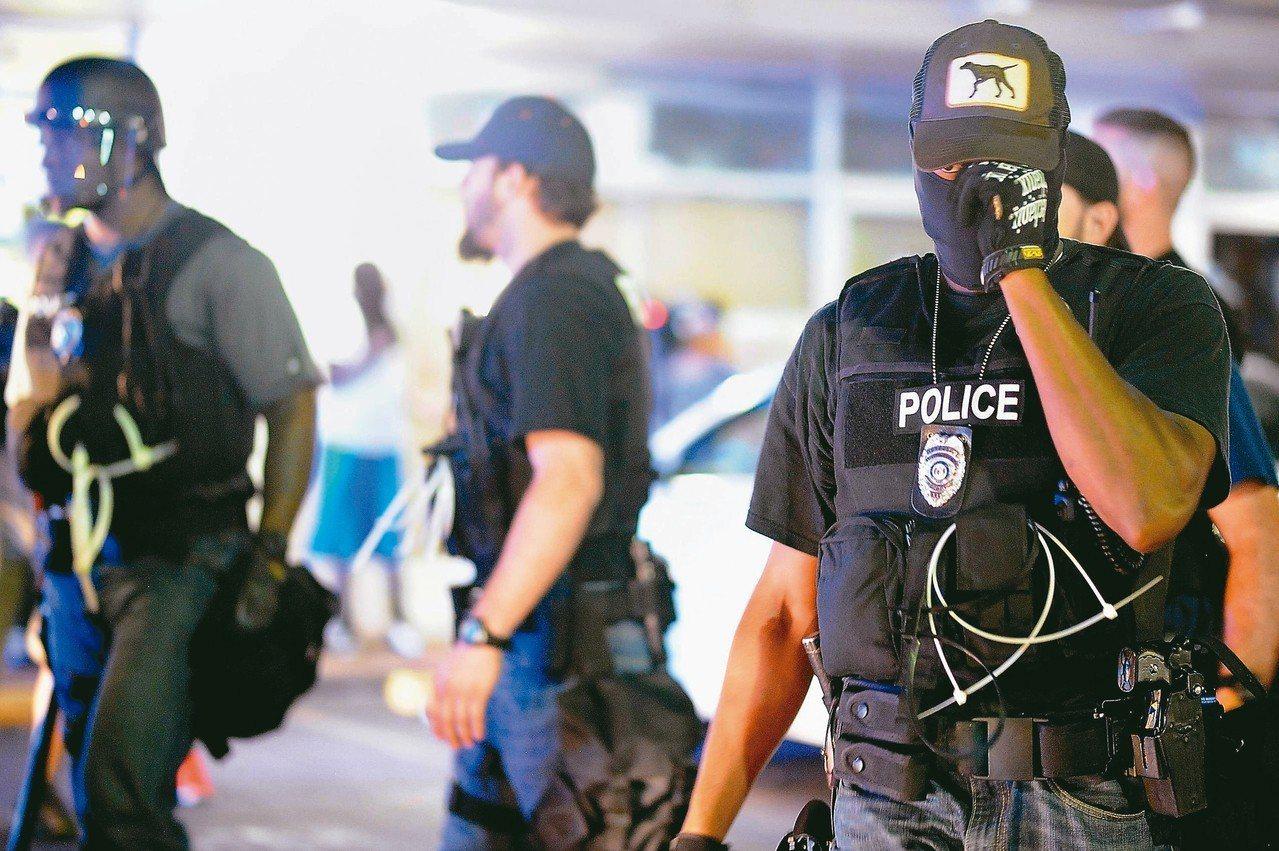 人們普遍認為當警察就該置死生於度外。 法新社