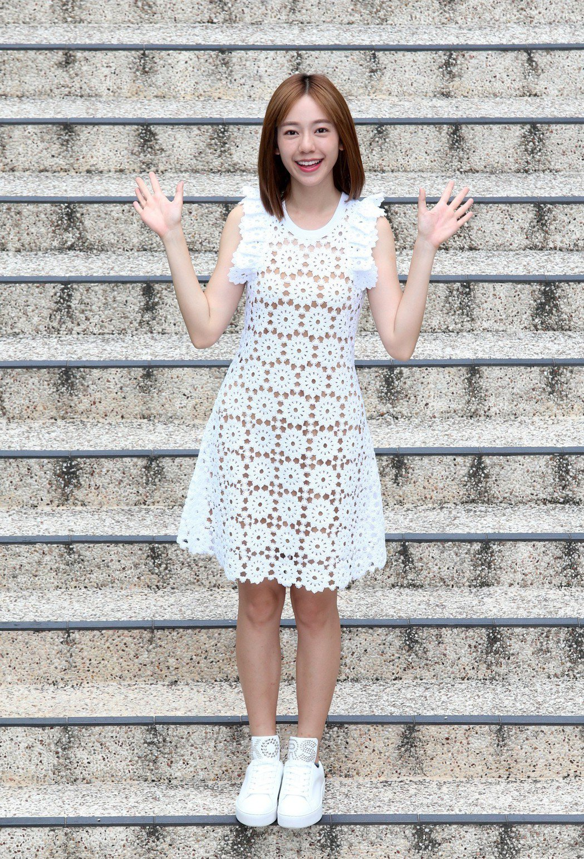 陳天仁穿上Michael kors小洋裝,展露女人味。 記者胡經周/攝影