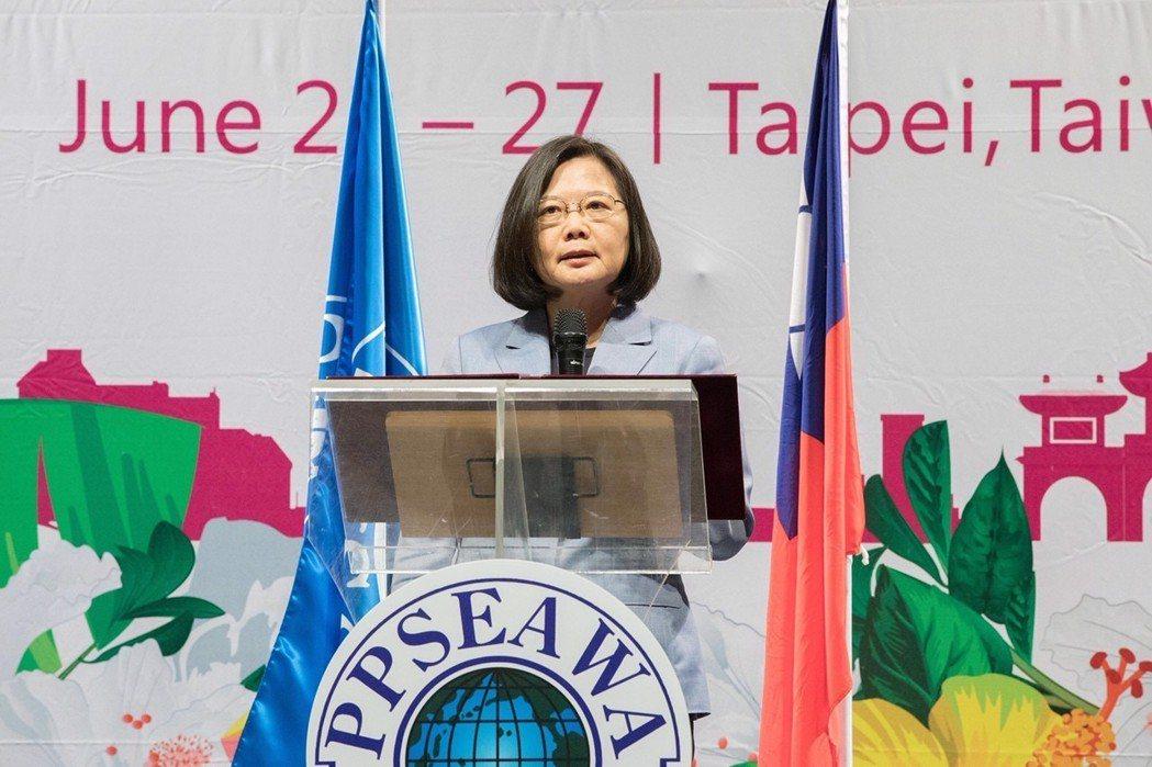 蔡總統於開幕致詞表示,台灣多年來致力於促進婦女權益、性別平等、環境健康、族群關懷...