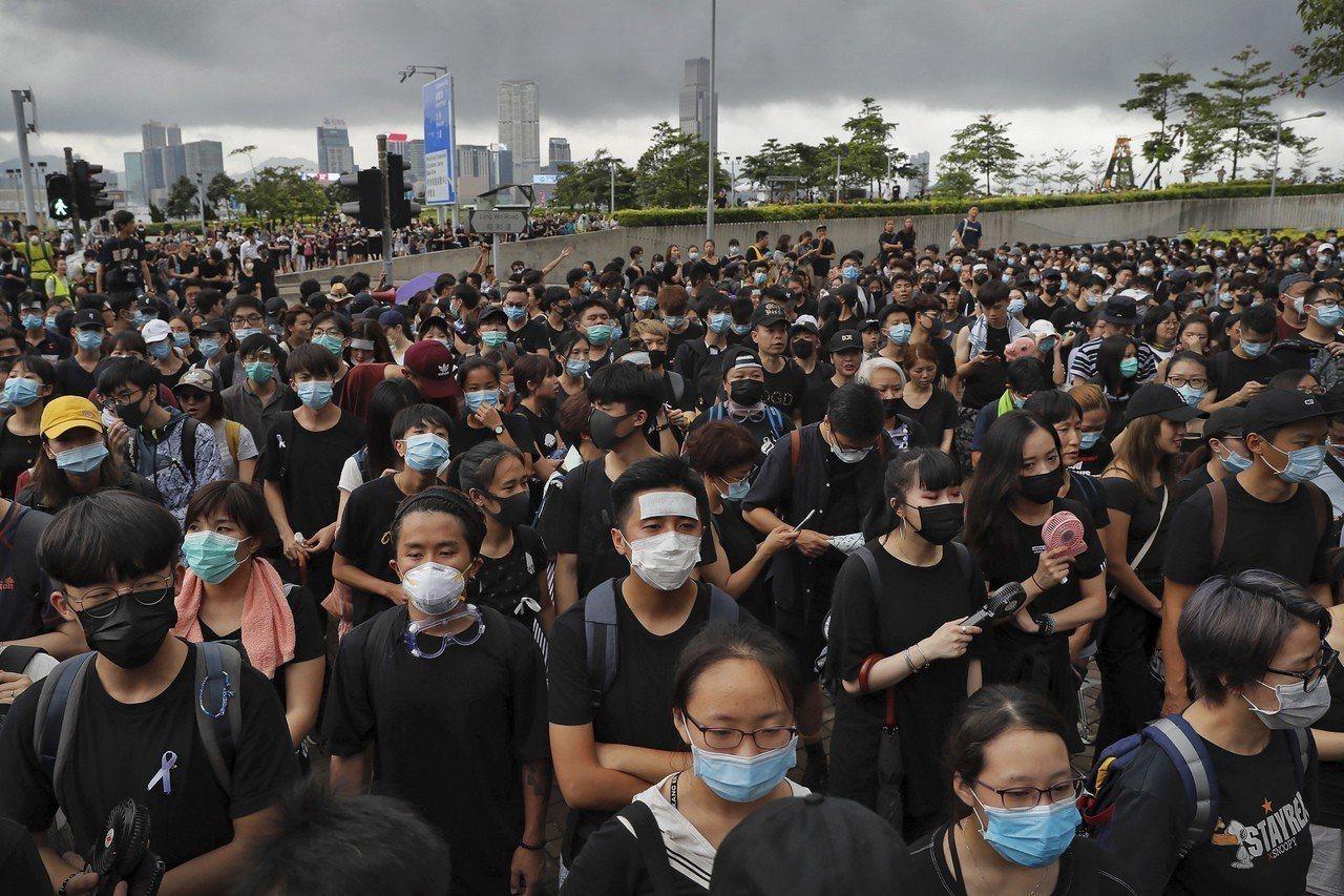 香港特區政府首席智囊承認修例完全失敗,望民眾再給予特首機會,逃犯條例會「自然死亡...