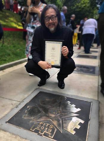 劇作家賴聲川成為錫比烏名人步道上的一顆星。 圖/擷自表演工作坊臉書