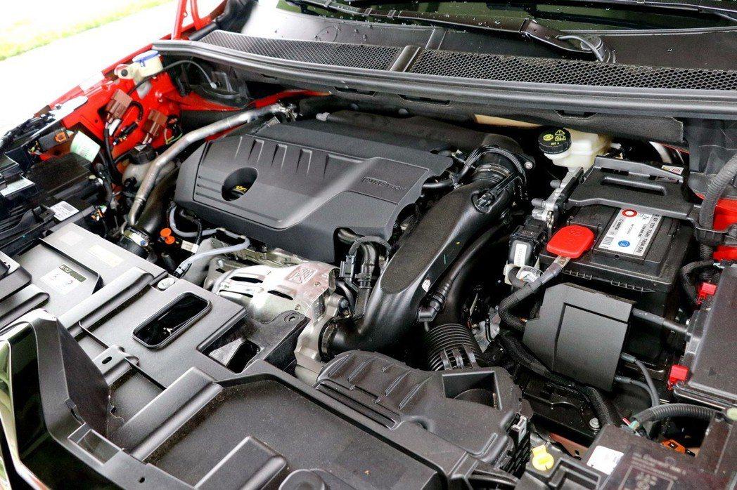 1.6升缸內直噴渦輪增壓汽油引擎。 記者陳威任/攝影