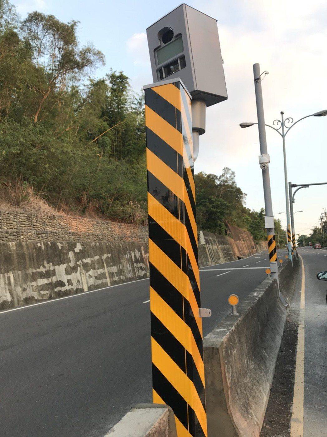 台南市龍崎區182市道27.9公里處測速照相機,是全市「測速王」,今年1至5月共...