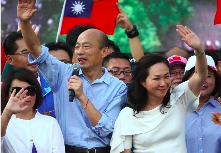 高雄市長韓國瑜與妻子李佳芬。圖/本報系資料照