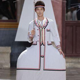 巴黎男裝周/Thom Browne蓬裙「怪美的」 Loewe大象手機殼超可愛