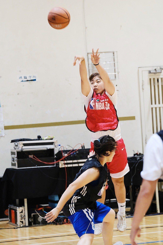107學年HBL高中籃球聯賽女子組MVP李吟娸,率領南山高中取得決賽門票。。圖/...