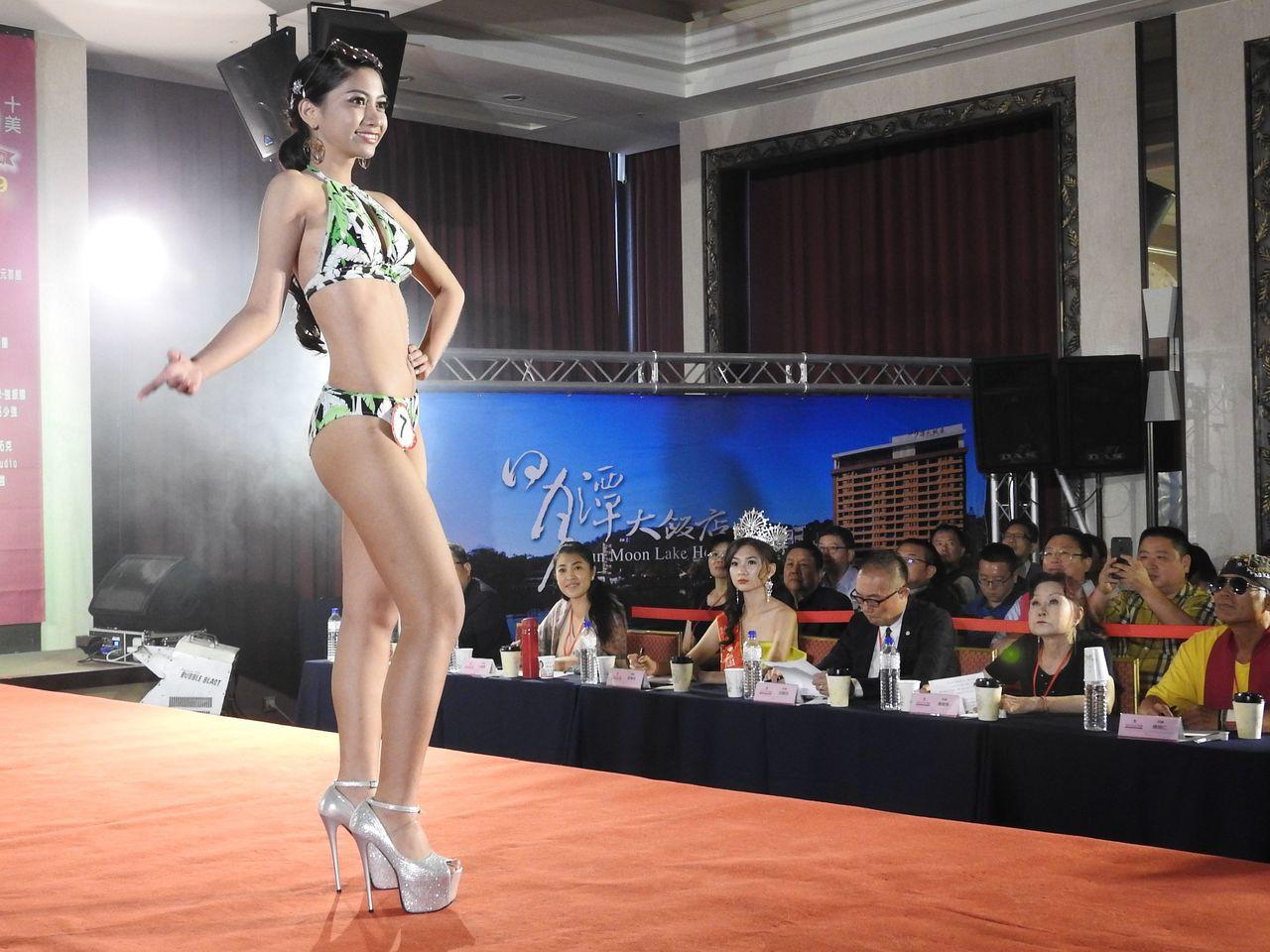 第10屆台灣小姐選拔總決賽今年首度移師南投。泳裝賽今在日月潭大飯店登場。記者賴香...