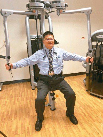 許維修獲得大愛肝後,更珍惜身體,注意飲食,養成每周運動的好習慣。 記者張益華/攝...