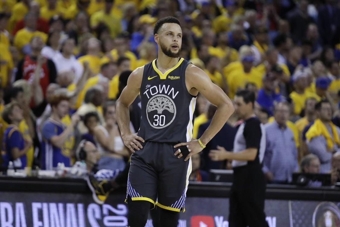 柯瑞(Stephen Curry)回顧本季,雖然挑戰三連霸失利,但對面臨的挑戰格...
