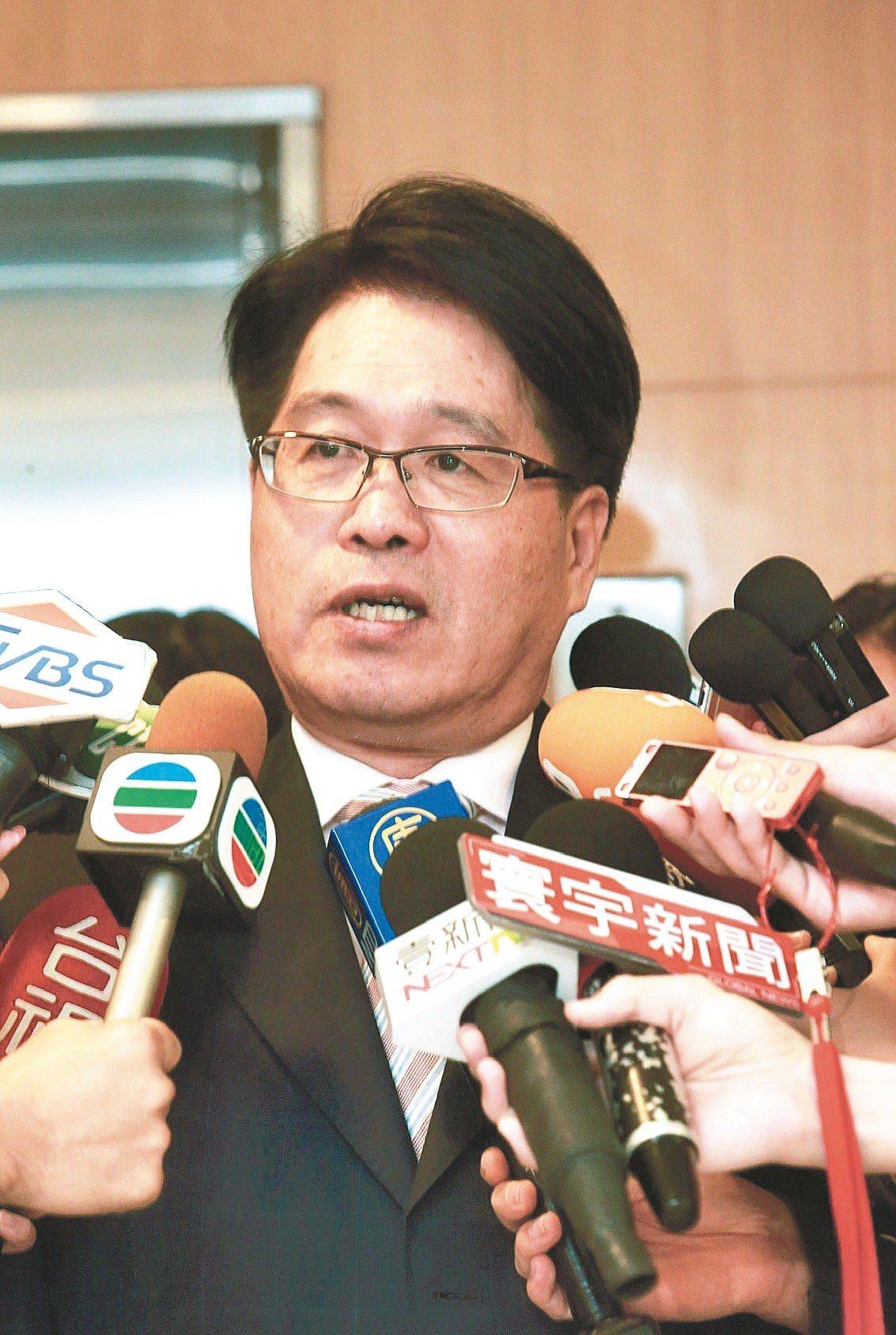 台灣民意基金會董事長游盈隆昨退出民進黨,上午表示特赦前總統陳水扁是一件重要的事,...