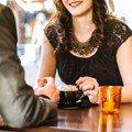 不是真的喜歡你!調查證實:超過3成女性約會只為「吃免錢大餐」