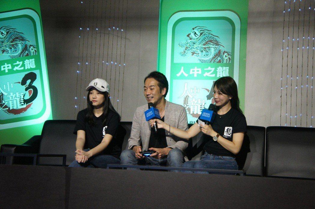 紀念活動中,製作人也挑戰《人中之龍5》棒球小遊戲!