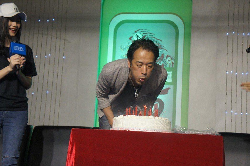 SEGA與玩家們一起準備了生日驚喜,讓佐藤製作人超感動。