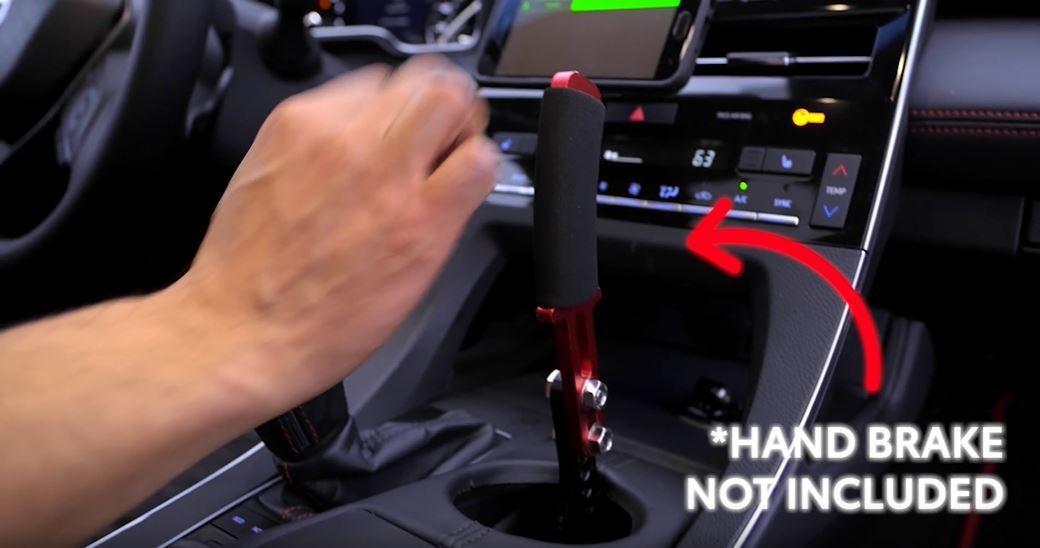 Avalon TRD 可沒有標配液壓手煞車,需要額外改裝。 摘自Toyota U...