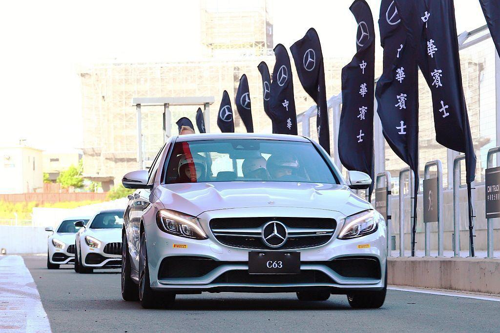 賽道日或駕訓營主要目的在於讓車主對車輛能更進一步的認識外,面對各種路況或突發狀況...