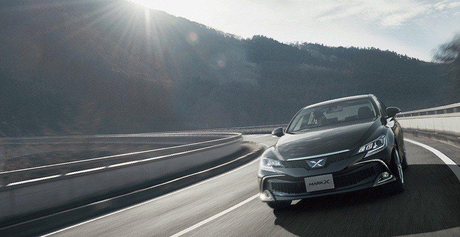 Toyota 日本市場限定後驅房車Mark X。 摘自Toyota