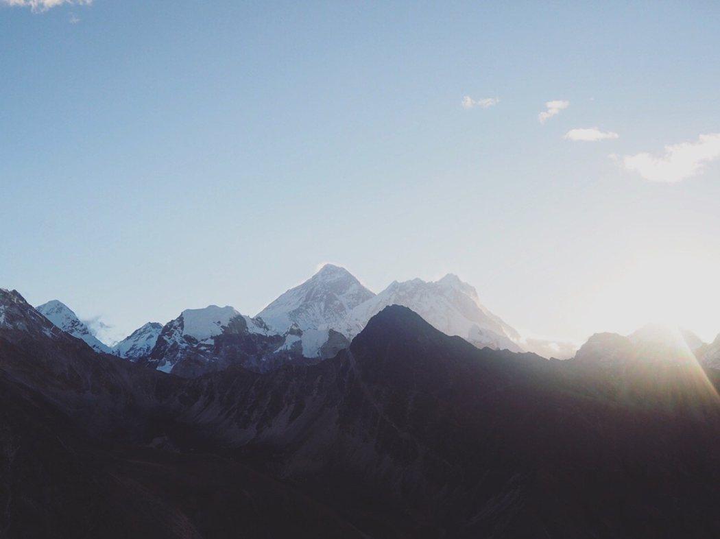 從Gokyo Ri 看見的Mount Everest。