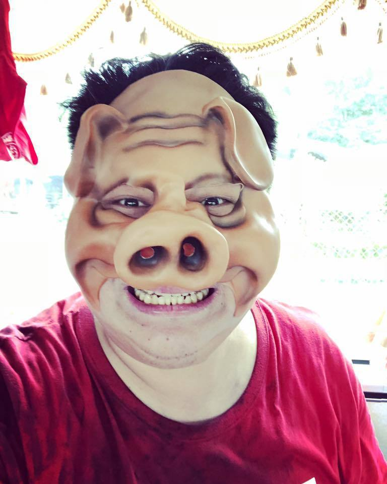 哈孝遠深夜放豬頭照解釋來龍去脈。圖/哈孝遠臉書