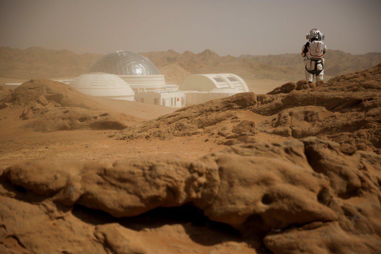 中國大陸在戈壁沙漠模擬火星探測。路透